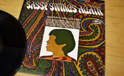 SARAH VAUGHAN / Sassy Swings Again